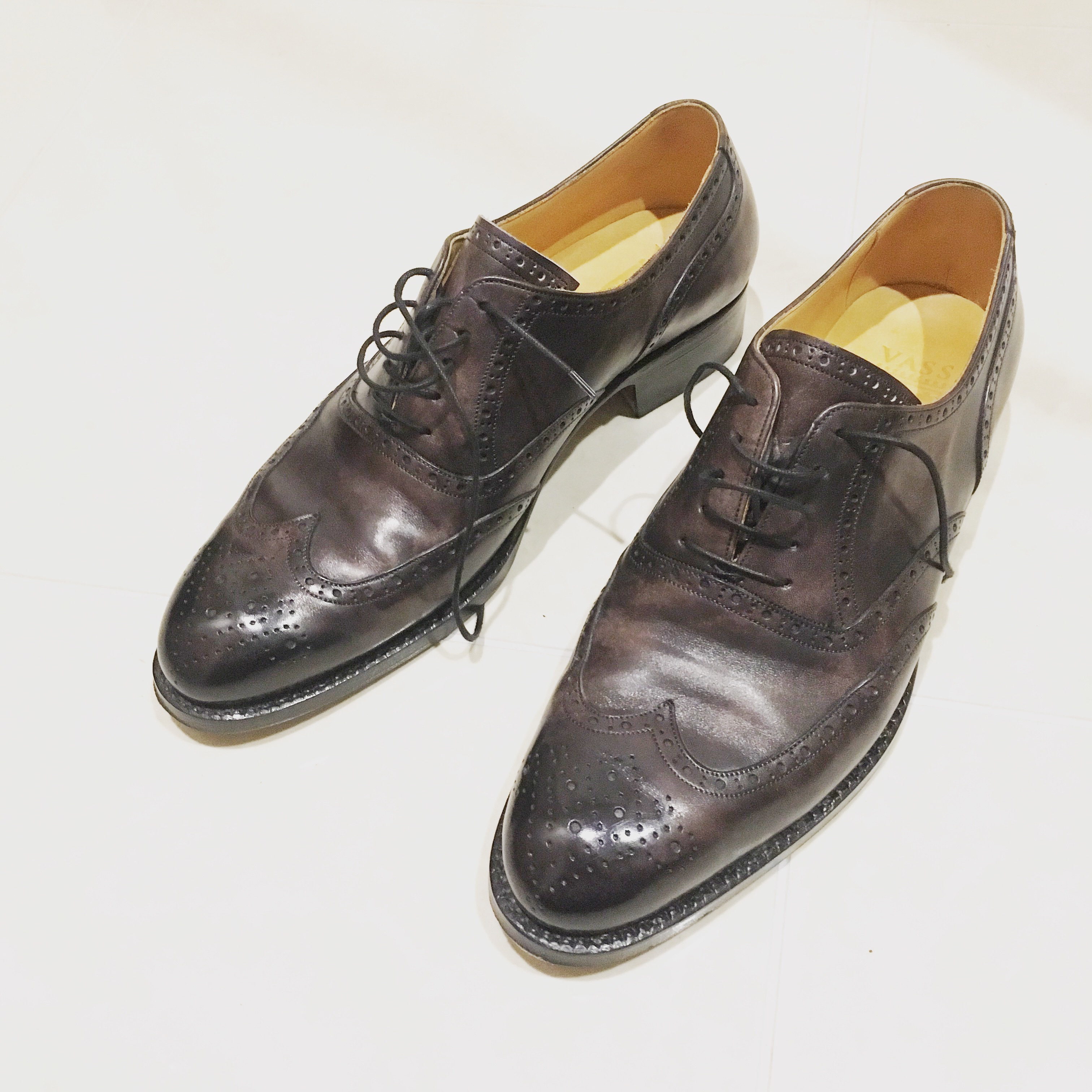 【写真】シワ入れ後のミュージアムカーフの靴!!こんなシワです。